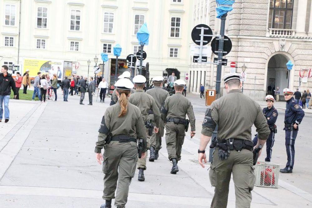 KASARNA PUNA RAZVRATA: Vojnici se drogiraju, siluju...