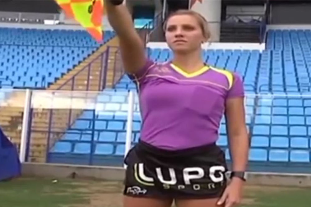 (VIDEO) NAVIJAČI SLAVE: Najlepši ženski fudbalski sudija vraća se na teren
