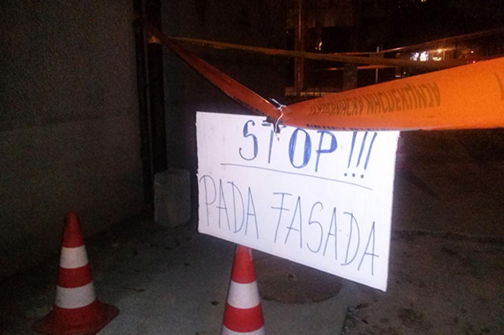LJUDI, PAŠĆE ZGRADA: Stanari Ulice 22. oktobar strahuju za život, zidovi pucaju i tonu!