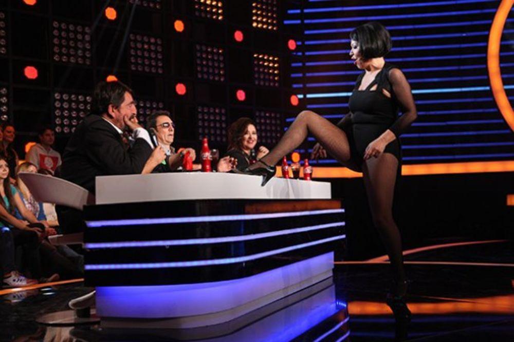 NEDA UKRADEN OPČINILA ENGLEZE: Posle Dejli mejla o seksi pevačici piše i Dejli ekpres
