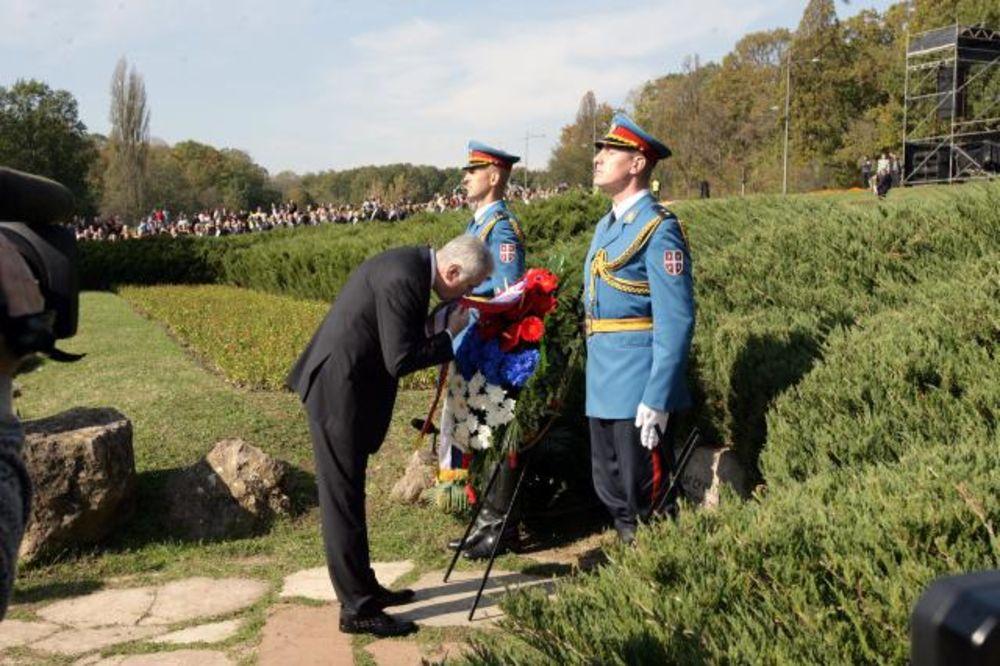 VELIKI ŠKOLSKI ČAS: Ruski i nemački ambasador zajedno u Kragujevcu