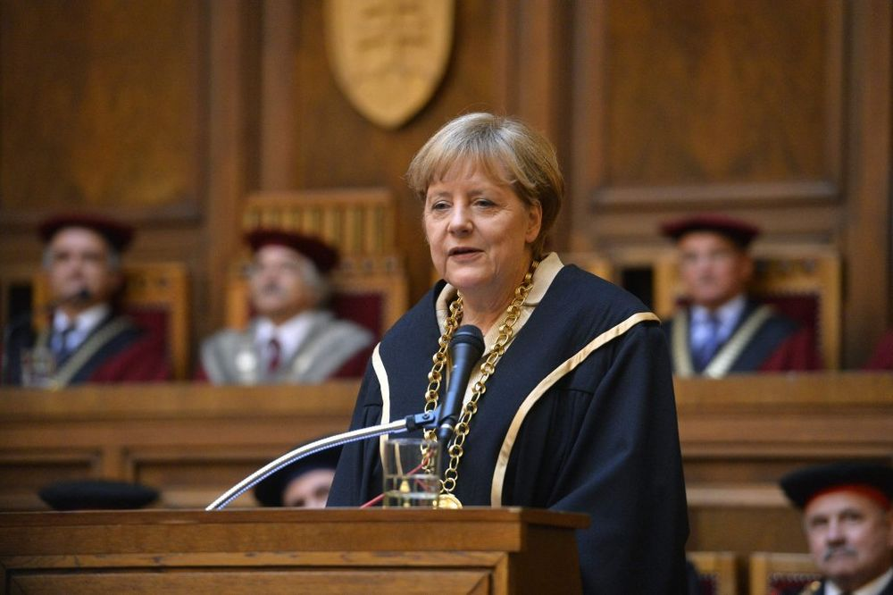 A OD SLOVAČKE: Merkelovoj počasni doktorat Univerziteta Komenskog, 11. u karijeri