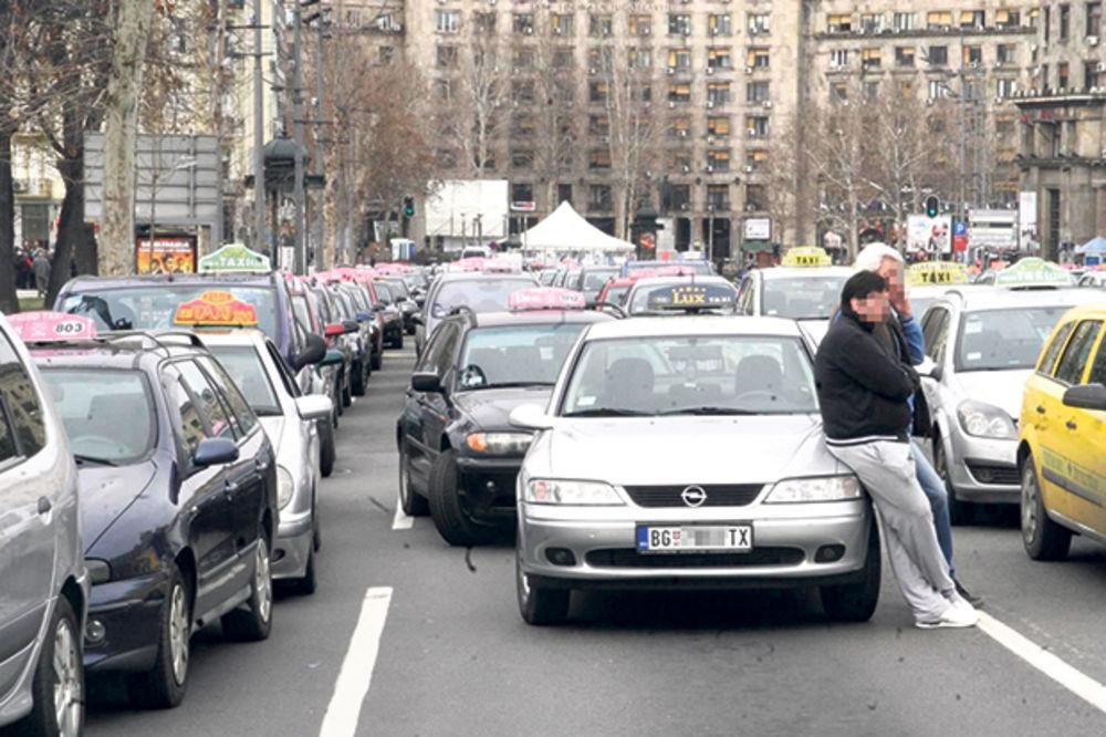 ONI ŠTRAJKUJU U SRBIJI: Na ulicama studenti, advokati, prosvetari, ugostitelji...