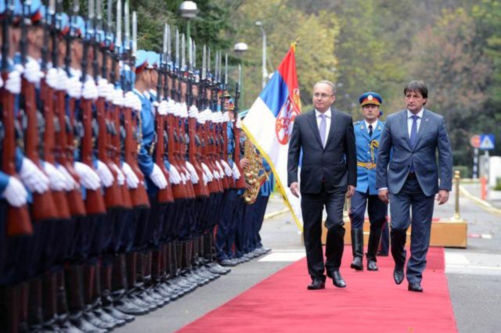 Gašić se sastao sa ministrom odbrane Makedonije