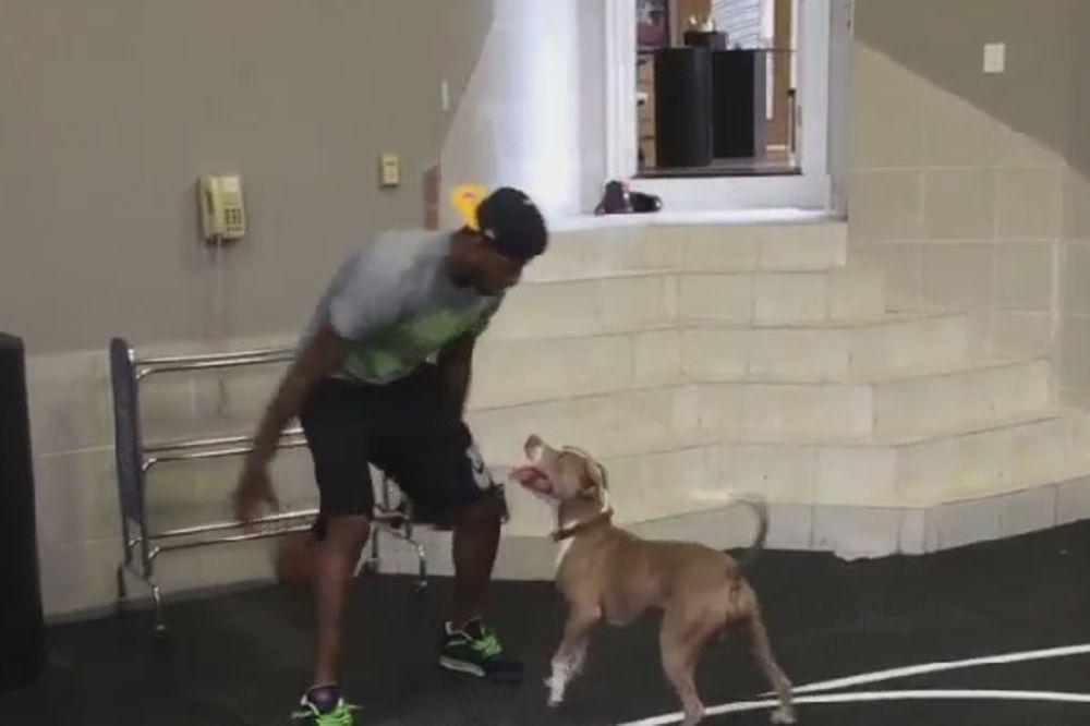 (VIDEO) 1 NA 1 SA PSOM: Povređena NBA zvezda ima zanimljivog protivnika