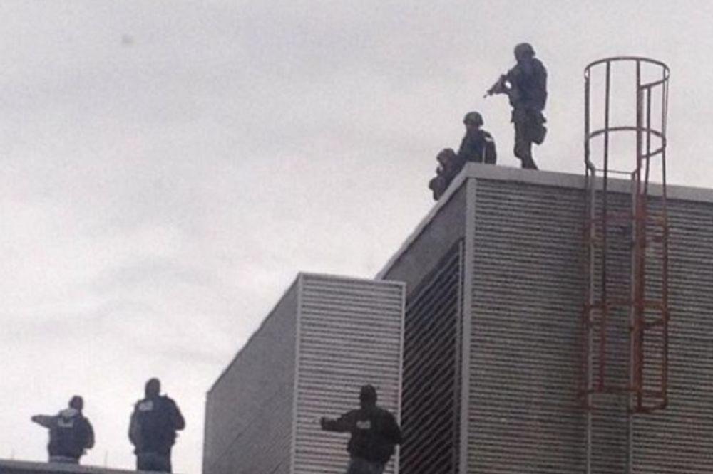 UŽIVO TERORISTIČKI NAPAD U KANADI: Majkl Zehaf-Bibe ubio vojnika i pucao u parlamentu!