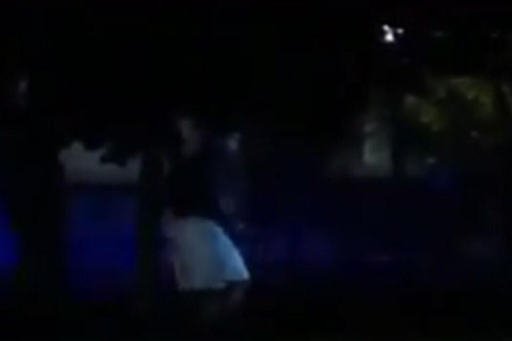 (VIDEO) NOVI UPAD U BELU KUĆU: Napadač preskočio ogradu i pokušao doći do Obame!