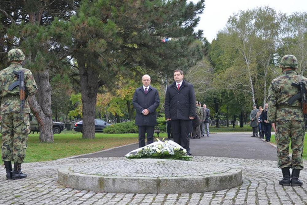 70 GODINA SLOBODE U NS: Uvek ćemo pamtiti svoje oslobodioce i u Prvom i u Drugom svetskom ratu!