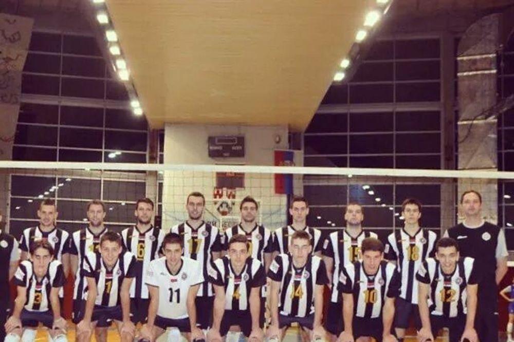 CRNO-BELI SRUŠILI ŠAMPIONA: Partizan dobio derbi protiv Crvene zvezde