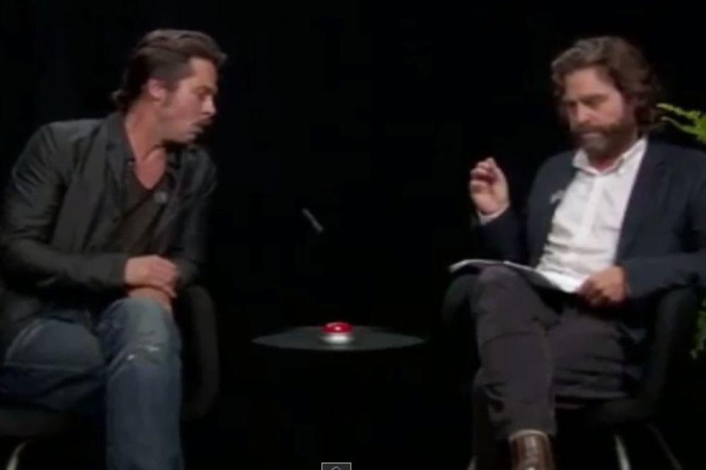 (VIDEO) USRED EMISIJE: Bred Pit pljunuo zvezdu filmova Mamurluk!