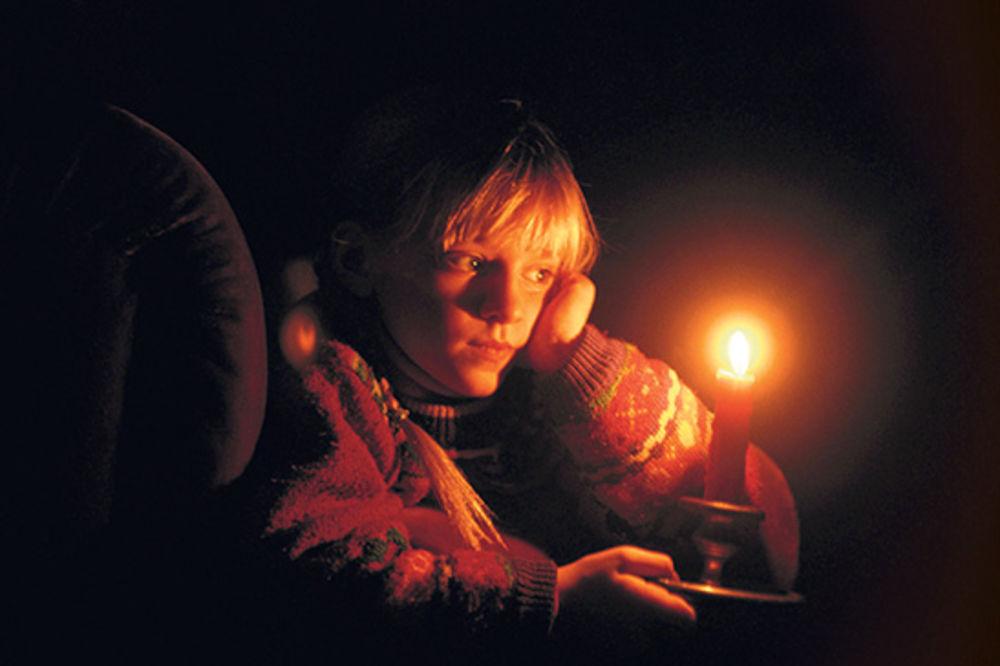 SNEG OPET IZNENADIO: Pola Srbije bez struje, Niš bez grejanja!