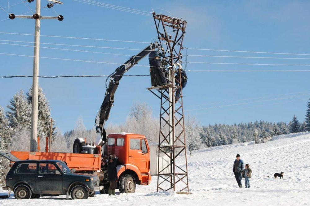 ZIMA SE NE ŠALI: U Novoj Varoši i Sjenici još 400 domaćinstava bez struje