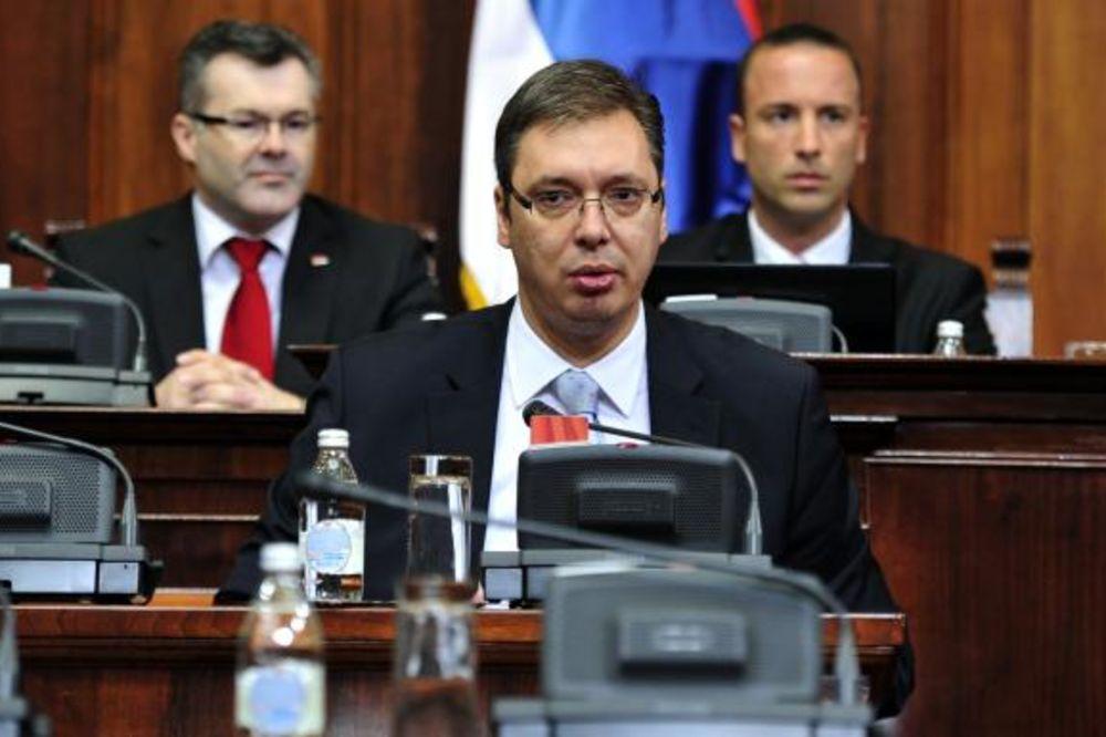 Vučić: Pad BDP-a u biće oko 0,4 odsto uprkos katastrofalnim poplavama