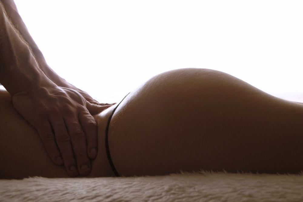 OTKRIVENO: Evo zašto muškarci obožavaju ženske zadnjice