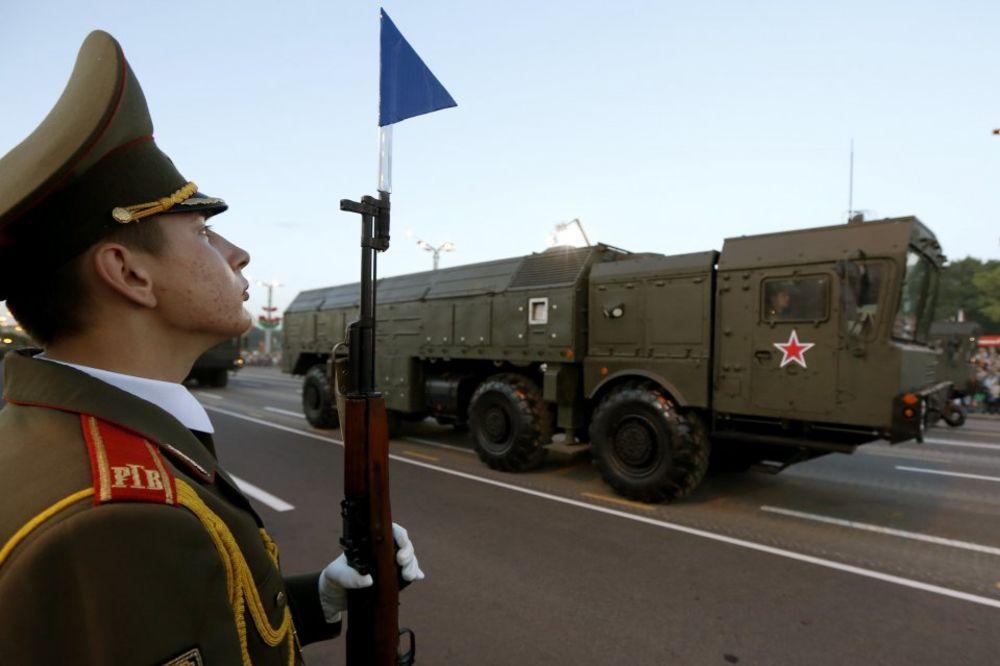 TREĆI SVETSKI RAT NIKAD BLIŽI: Rusi gomilaju nuklearne glave na Krimu, SAD u Nemačkoj!