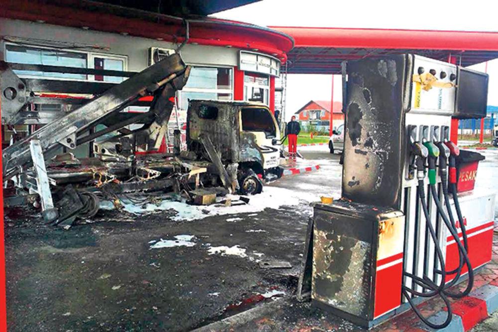 ZAPALJENA PUMPA U JAGODINI: Policija danonoćno čuva Knez petrol