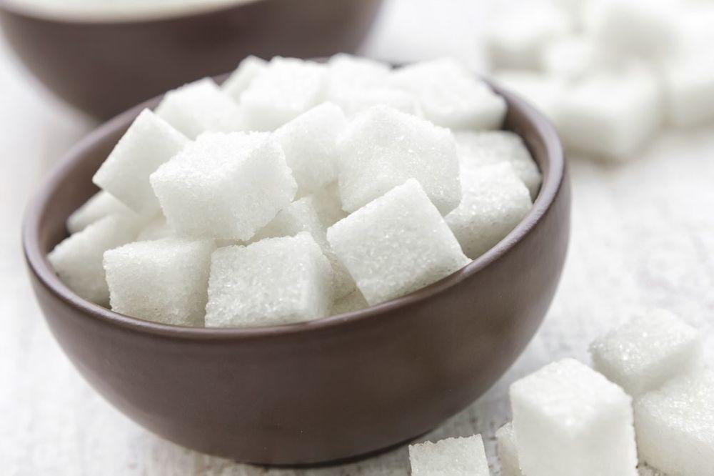 BUGARI SE BORE PROTIV ZLIH DUHOVA: Posipaju šećer po put