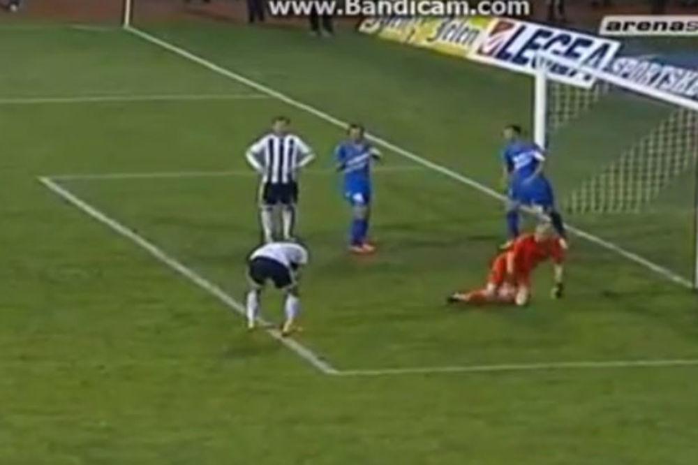 (VIDEO) BRUKA GODINE: Fudbaler Partizana promašio nemoguće