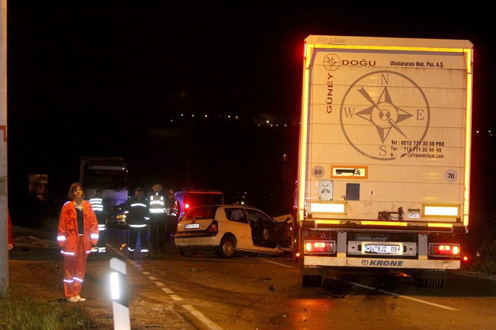 Saobraćajka na Kružnom putu, četvoro mrtvih, Foto: Kurir/Dragan Kadić