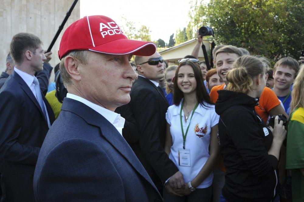 GLASINE IZ NJUJORK POSTA: Vladimir Putin oboleo od raka, leči ga nemački doktor