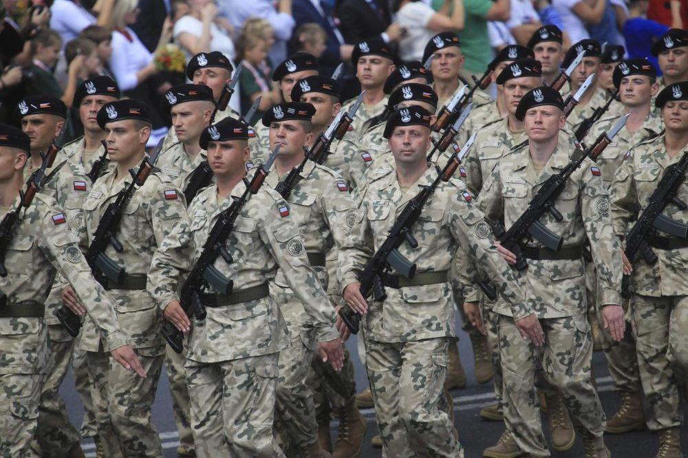 PRESTROJAVANJE: Poljska dovlači vojsku na granicu s Ukrajinom