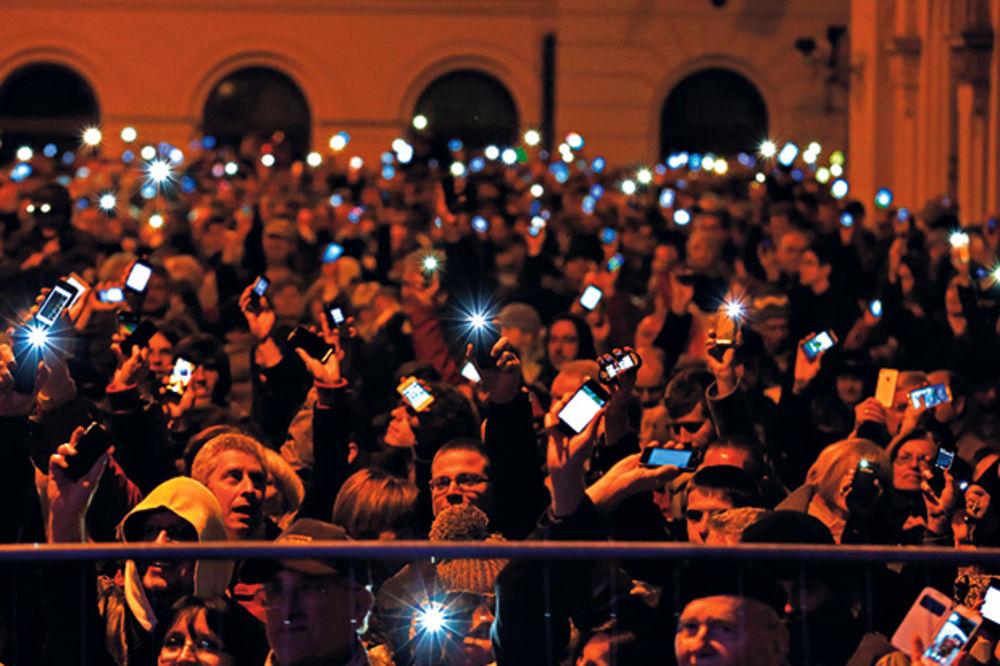 DRAMA U MAĐARSKOJ: Prete Orbanu zbog poreza na internet
