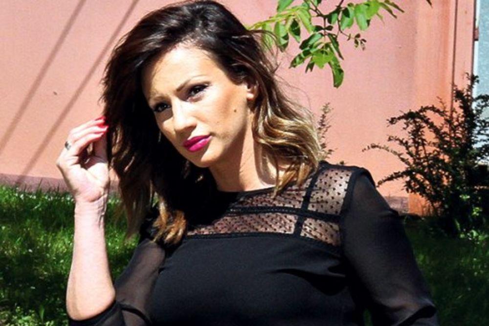DRAMA: Anu Kokić poplava zarobila u Atini!