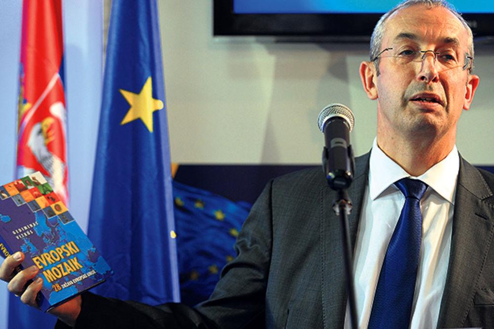 SAJAM KNJIGA: Srbiju će knjige da uvedu u EU