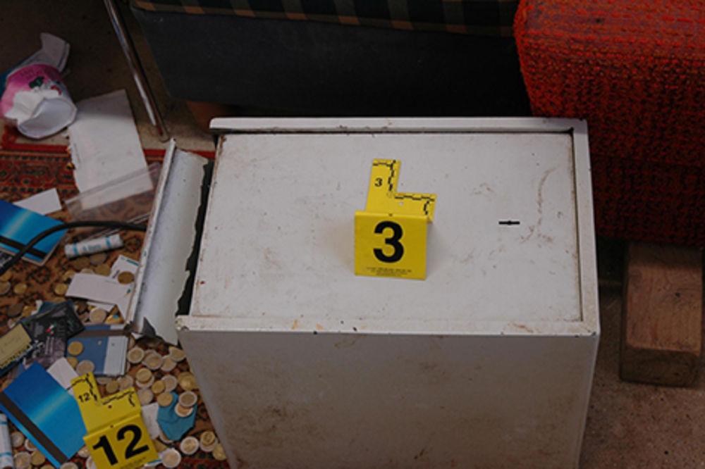 Ukrali sef i odneli na groblje da ga na miru obiju i pokupe plen!