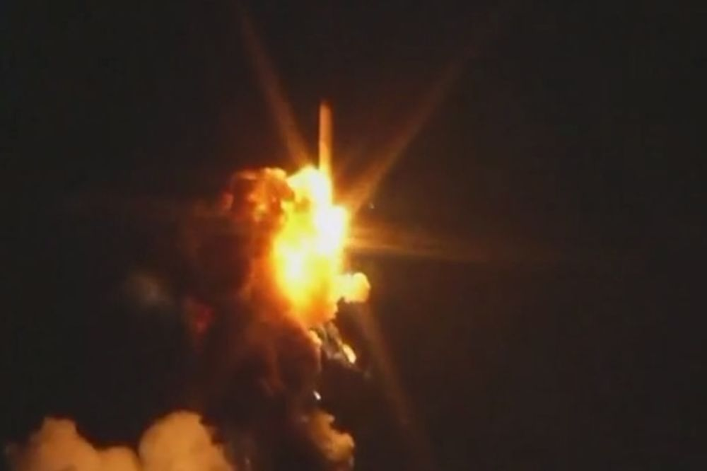 EKSPLOZIJA U CENTRU NASA: Pogledajte havariju i pad rakete po lansiranju! (VIDEO)