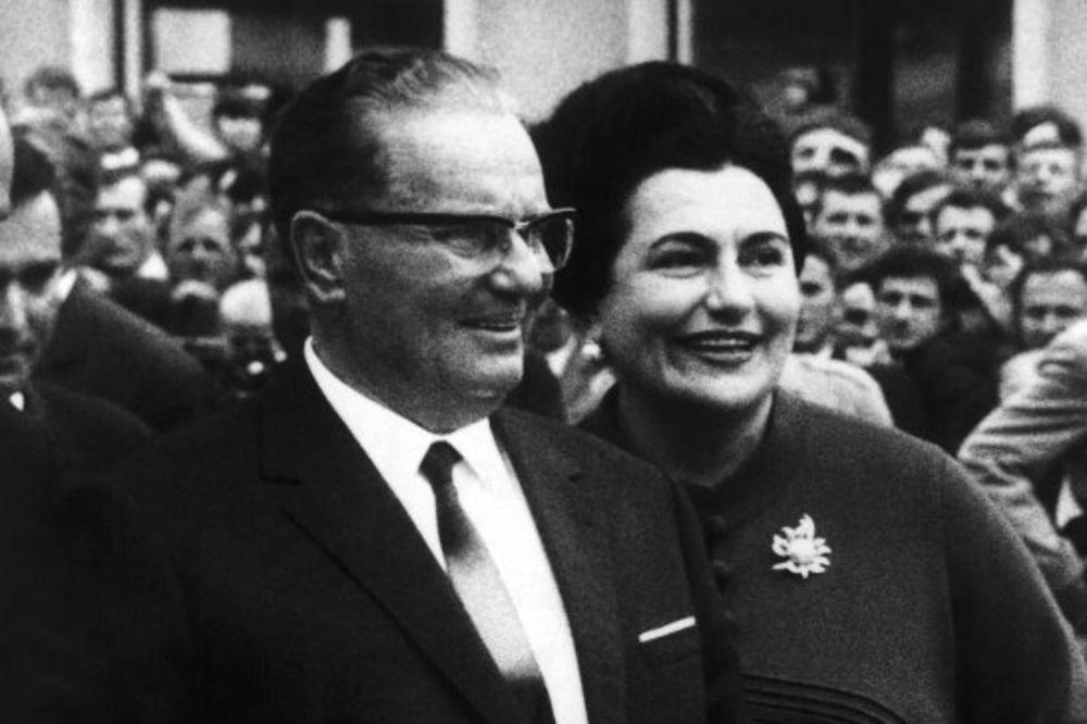 KAKO SE VOZIO BROZ: Objavljena knjiga Automobili i Josip Broz Tito