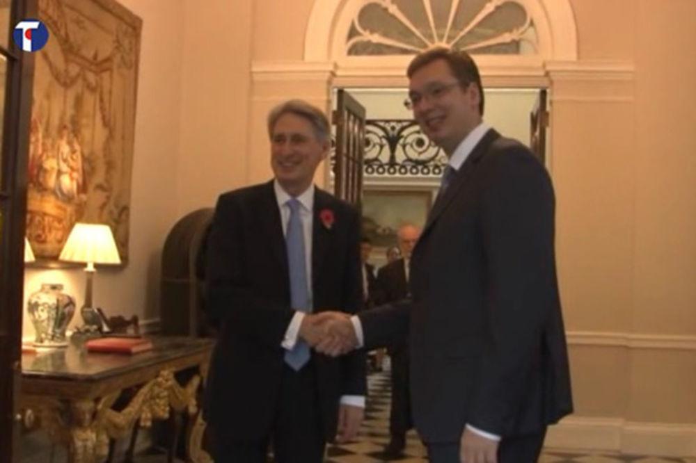 HAMOND ČESTITAO VUČIĆU: Srbiji ključna uloga u regionu