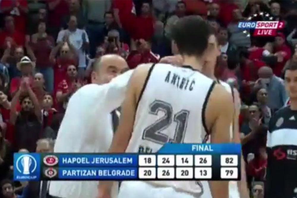 (VIDEO) DULE OPET UDARA: Pogledajte kako je Vujošević nasrnuo na Andrića