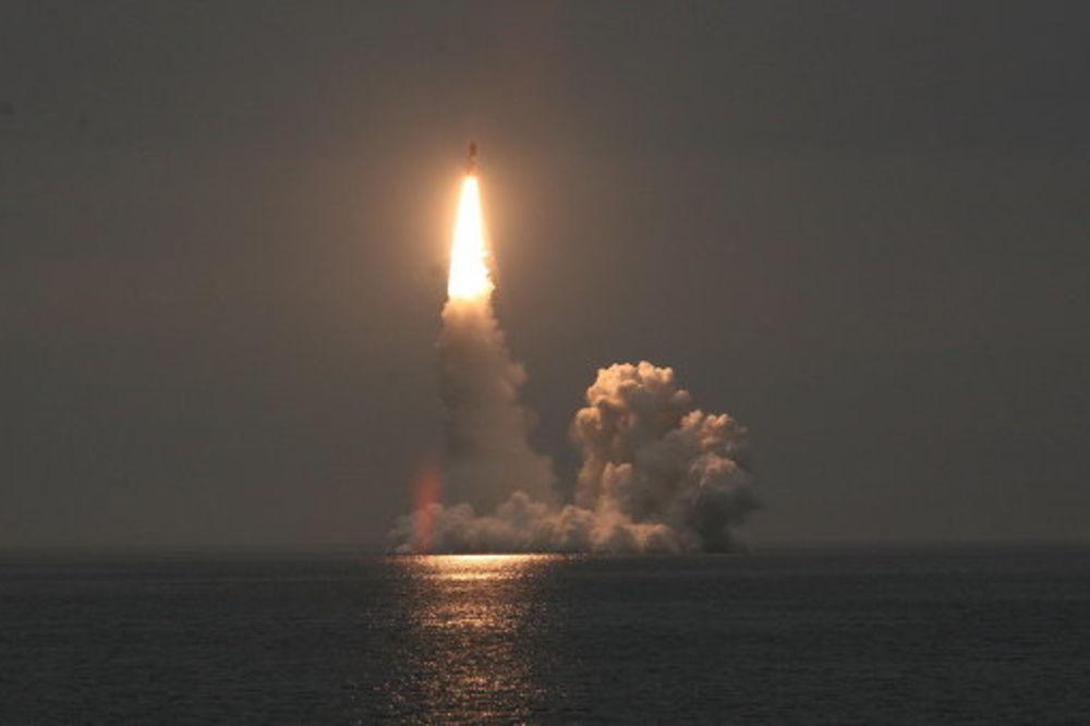 TRENIRANJE STROGOĆE: Rusija uspešno testirala balističku raketu Bulava