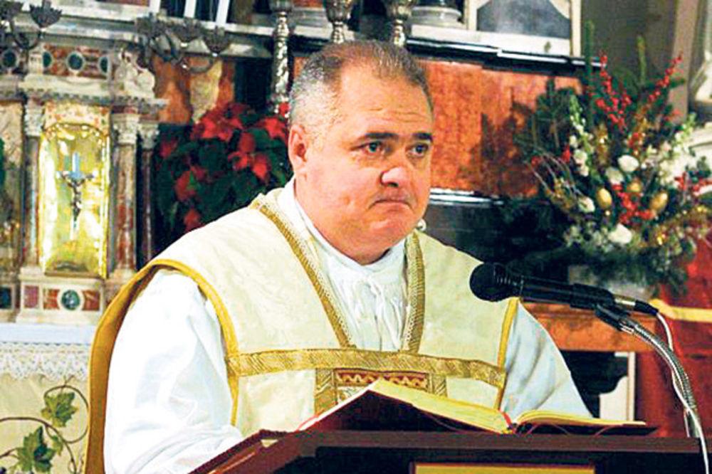 SILOVAO DETE: Sveštenik pedofil se ubio u svojoj crkvi