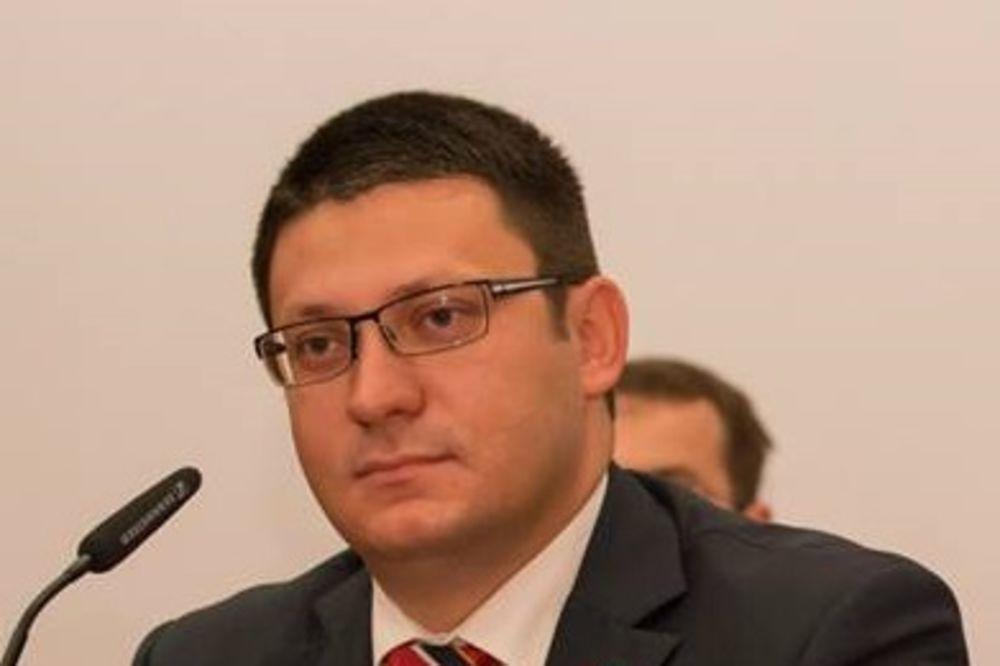 SEDNICA SAVETA ZA JRM I BEZBEDNOST NS: Podnet zahtev za angažovanje 30 školskih policajaca!