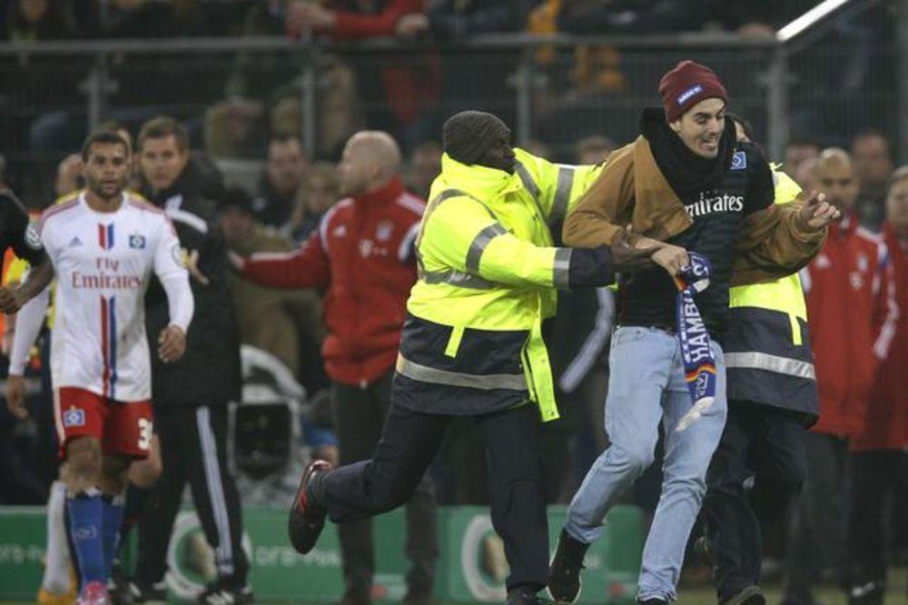 (VIDEO) PODNETA PRIJAVA: HSV tužio huligana koji je napao Riberija