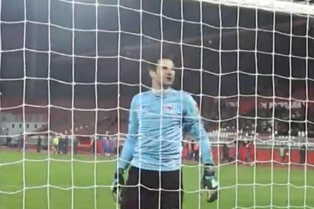 (VIDEO) PRIMITIVNO PONAŠANJE SUPIĆA: Golman Voždovca žestoko izvređao navijače Vojvodine