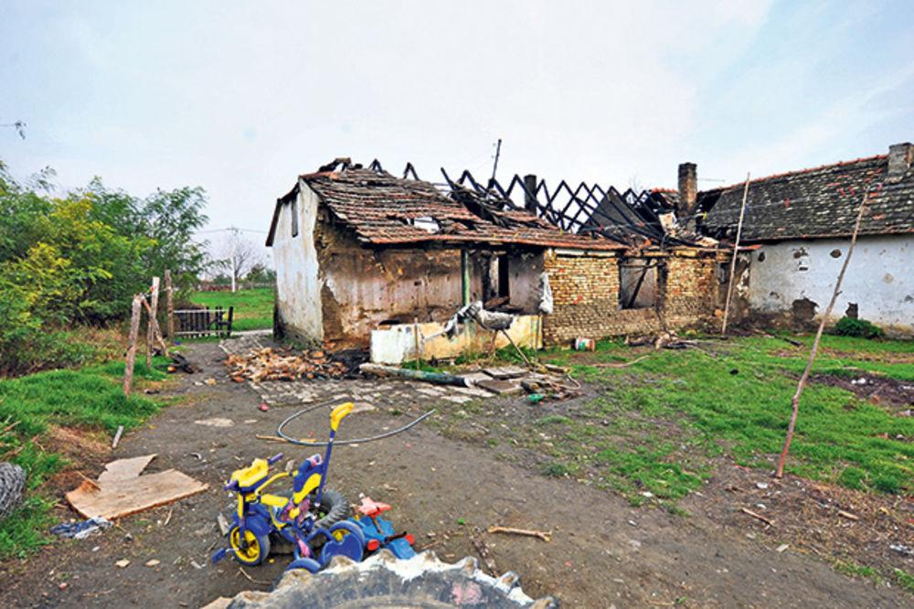 I DETE POLIO BENZINOM: Posle svađe pijan zapalio kuću, našli ga obešenog!
