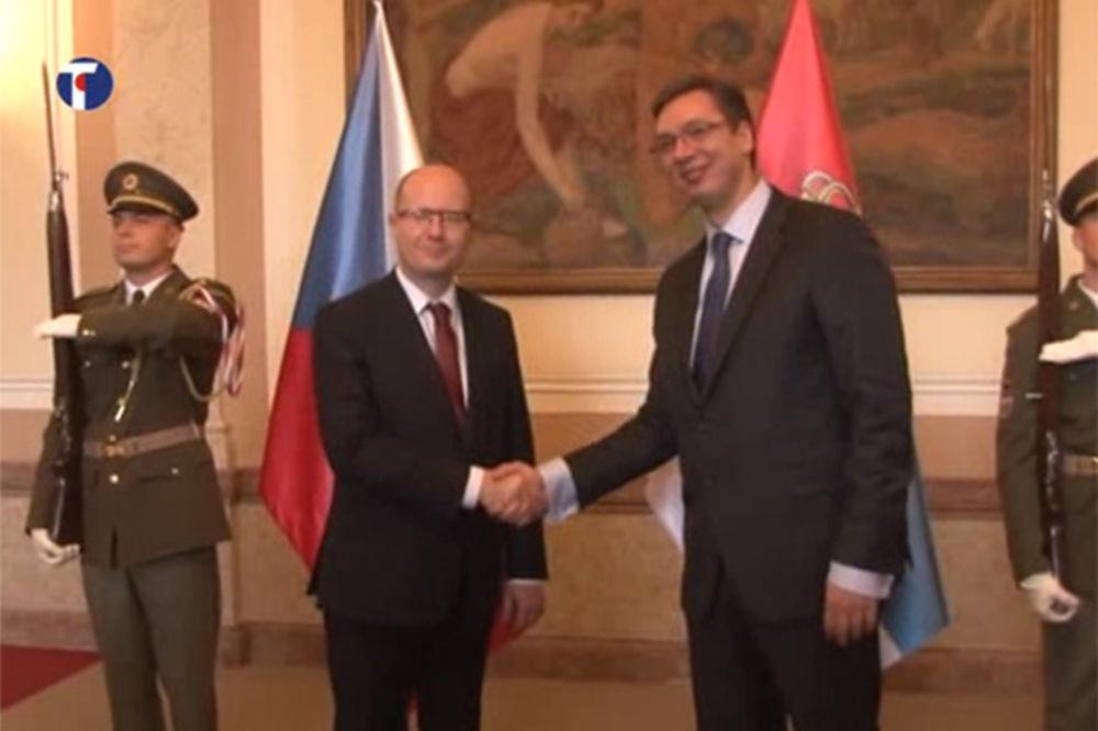 (VIDEO) VUČIĆ U PRAGU: Premijer se sastao sa češkim kolegom