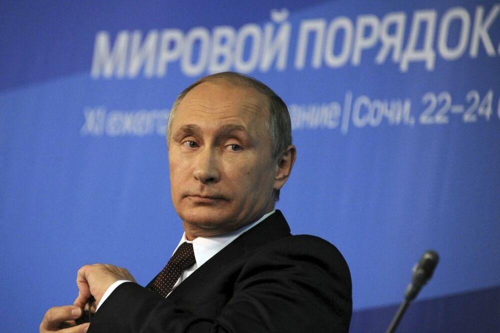 PUTIN: Rusija se neće upuštati u sukob koji joj nameću, naša vojna doktrina je odbrambena