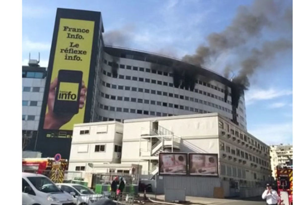 HITNA EVAKUACIJA: Gori 7. sprat čuvene francuske Kuće radija