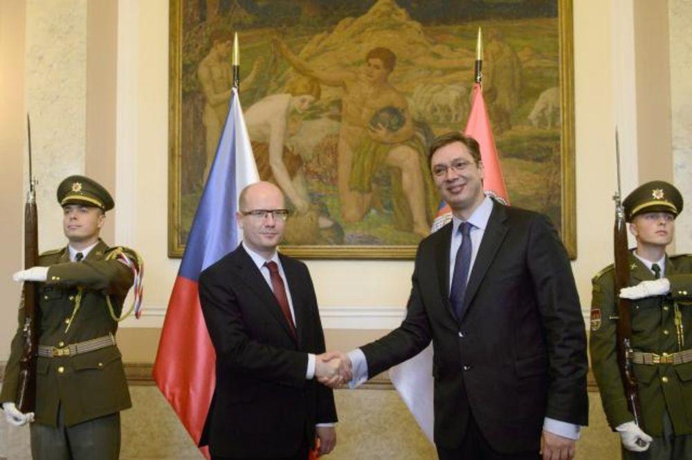 VUČIĆ U PRAGU: EU strateški cilj, češke firme dobrodošle u Srbiju