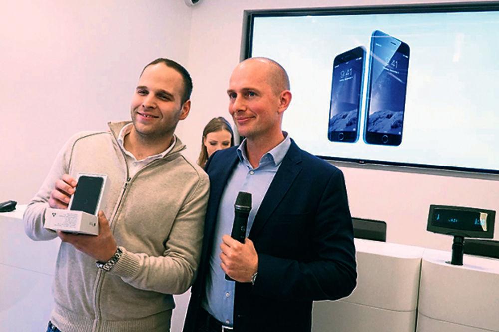 Prvi Telenorov ajfon otišao u Mladenovac