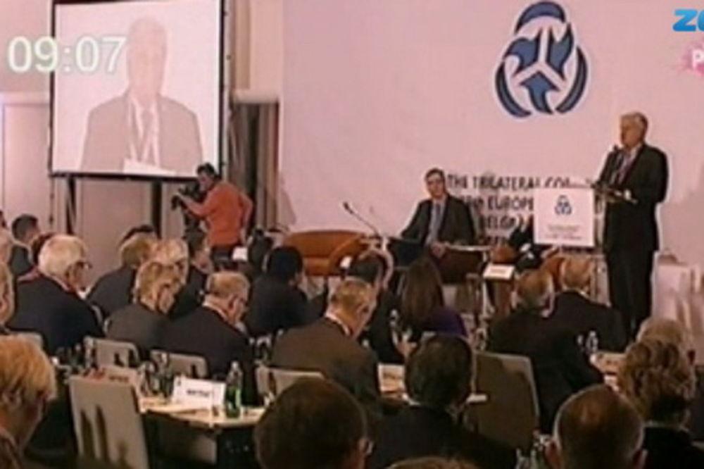 VUČIĆ POZDRAVIO TRILATERALU: Srbija će biti agent mira!