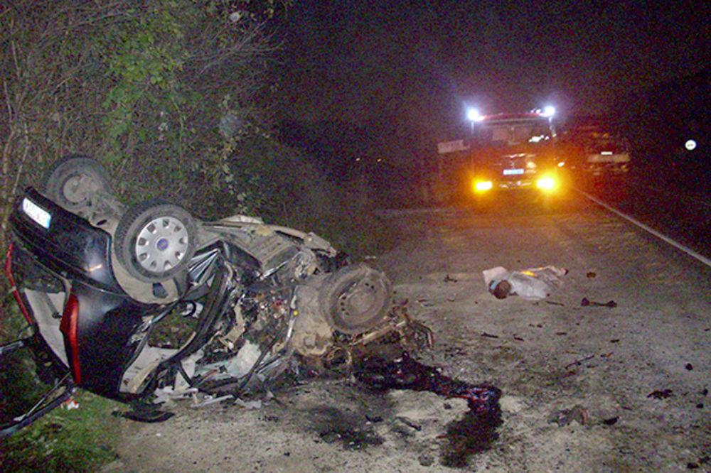 OBILAZNICA SMRTI: Fijat podleteo pod šleper, vozač poginuo na Kružnom putu kod Resnika!