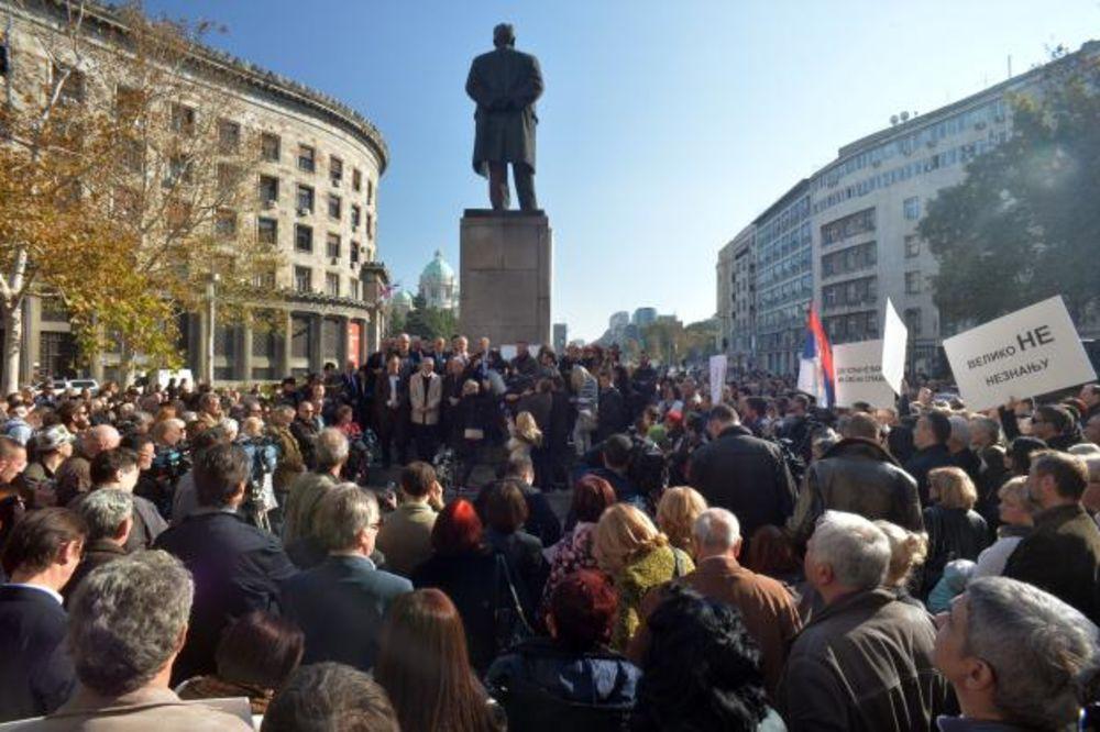 PROTEST MINUT DO 12: Advokati ostaju pri svojim zahtevima, šire protest!