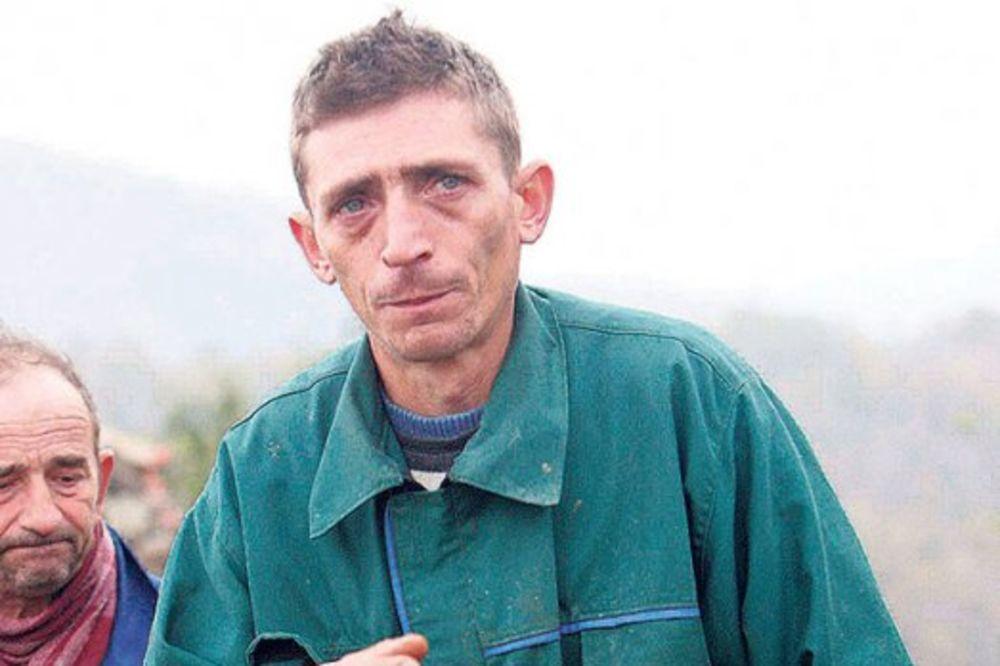 OČEV RASKOL U SRCU: Juče sam dobio sina, danas sahranjujem dve ćerke!