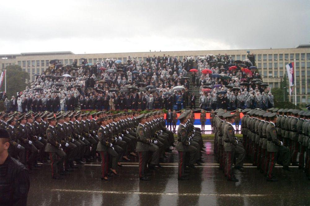PROSLAVA I PARADA U ZRENJANINU: Vojska proslavlja svoj dan i Dan pobede nad fašizmom