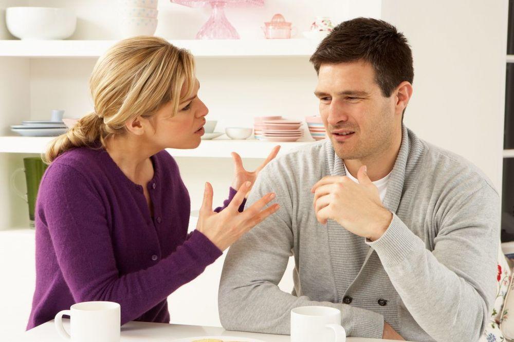 KADA ŽELI DA POPRIČATE, ZNAČI DA STE MRTVI: 25 stvari koje muškarci uvek pogrešno protumače!